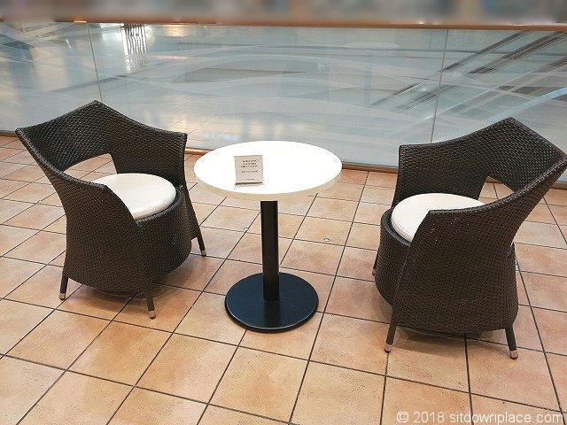恵比寿三越2Fのテーブル席