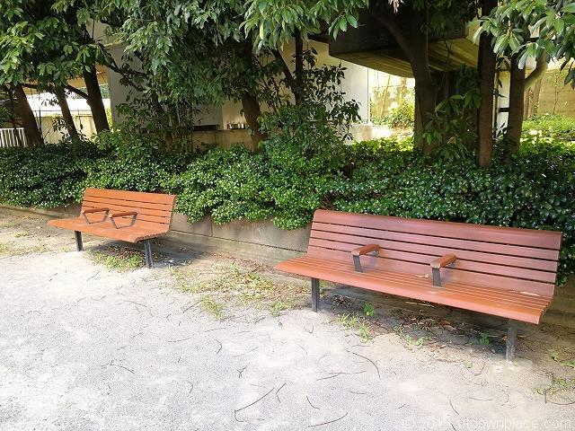 浜崎公園のベンチ