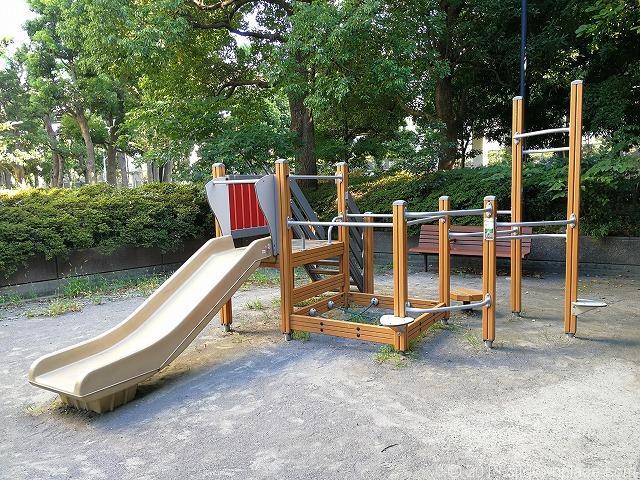 浜崎公園の滑り台