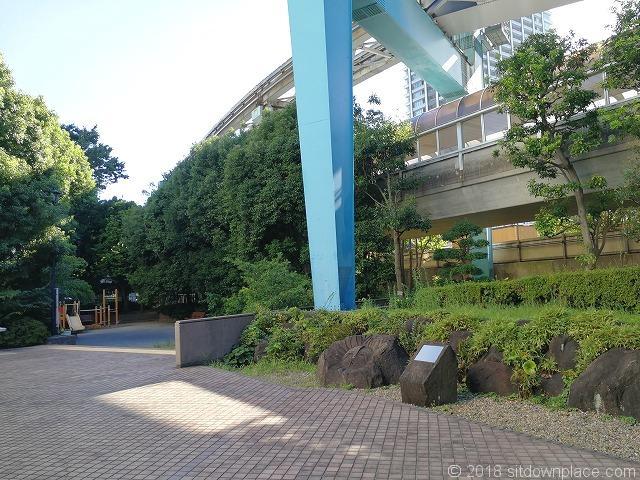 浜崎公園のモヤイ像周辺