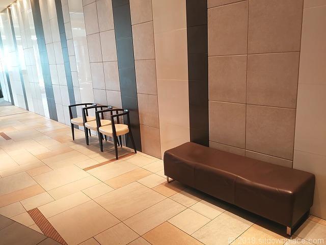 ハマサイト2Fの座れる休憩場所