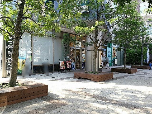 武蔵野タワーズスカイゲートタワーの公開空地