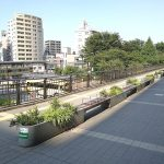 【三鷹駅】ペデストリアンデッキの休憩場所