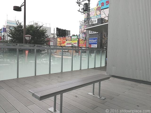 omterraceのベンチ
