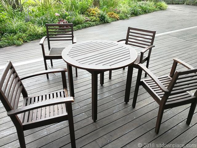 銀座三越9Fテラスガーデンの4人掛けテーブル席