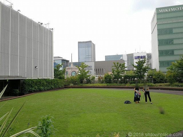 銀座三越9Fテラスガーデンの芝生
