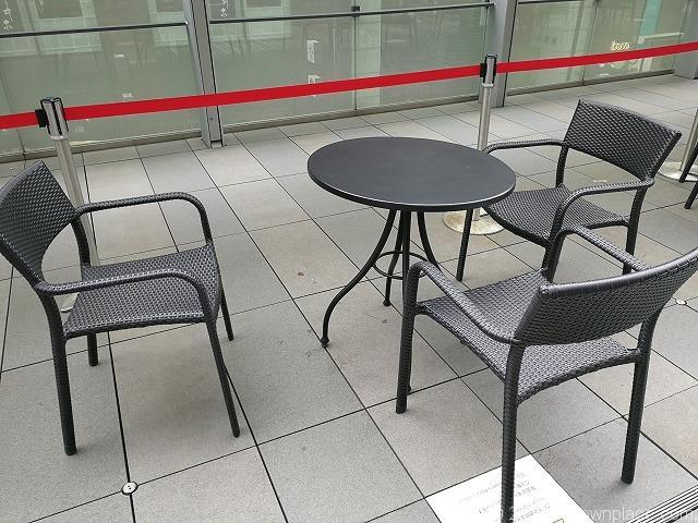 銀座シックス2Fの三原テラスのテーブル席