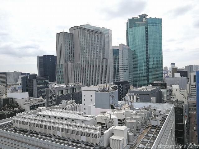 銀座シックス屋上から見える三井ガーデンホテルとカレッタ汐留の景観