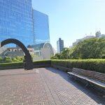 【浜松町駅】浜松町ビルディング デッキの休憩場所