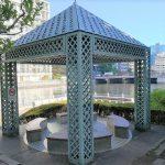 【浜松町駅】芝浦運河沿緑地の休憩場所