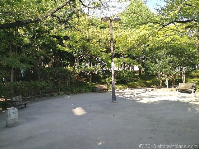 新浜公園内