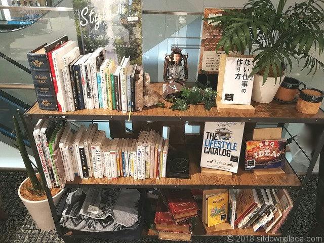 エソラ池袋2Fのスタイルをみつける本棚