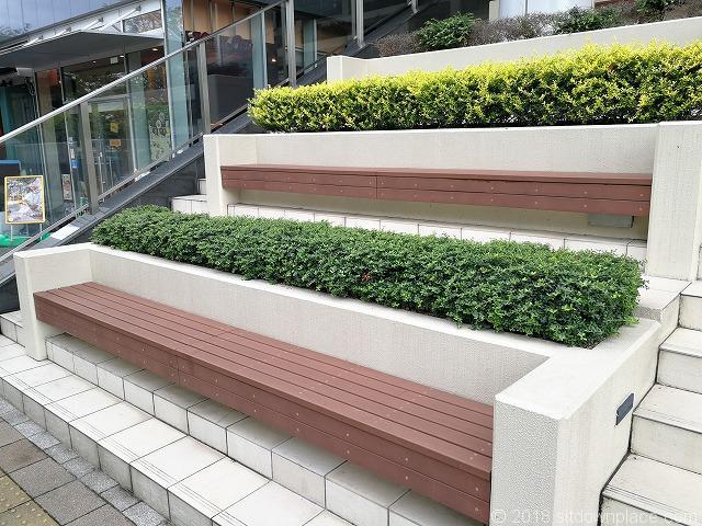 大崎センタービル階段ベンチの詳細