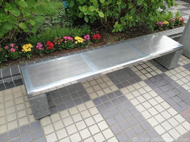 大崎ニューシティ パティオのベンチ