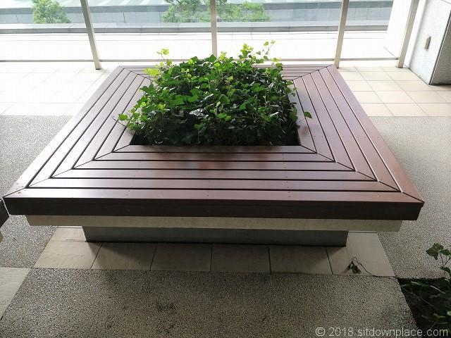 大崎センタービル2fの平型ベンチ
