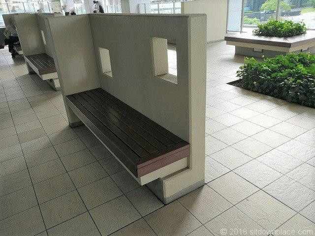 大崎センタービル2fのベンチ
