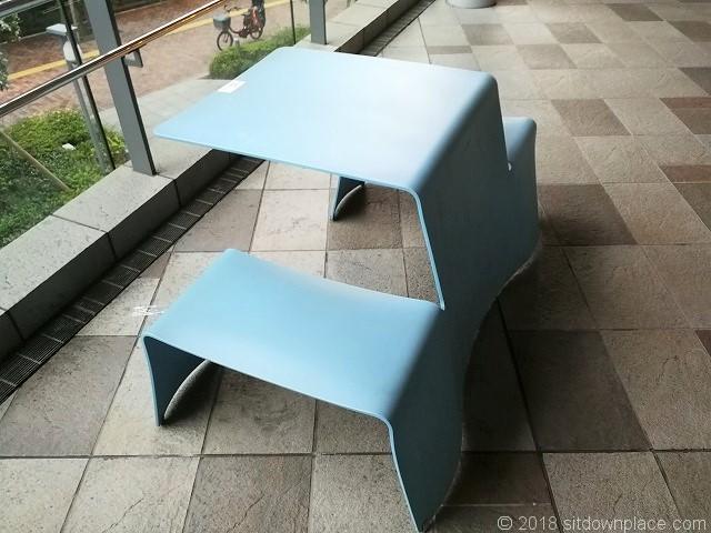大崎ウィズシティ2Fのテーブル席