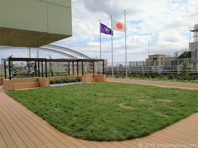 北沢タウンホール5F屋上庭園