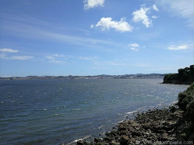 猿島のオイモノ鼻広場からの景観