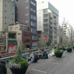 【秋葉原駅】秋葉原UDX 2F アキバスクエア前の休憩場所