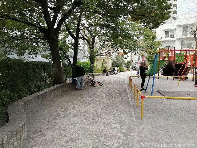 目黒銀座児童遊園の遊具
