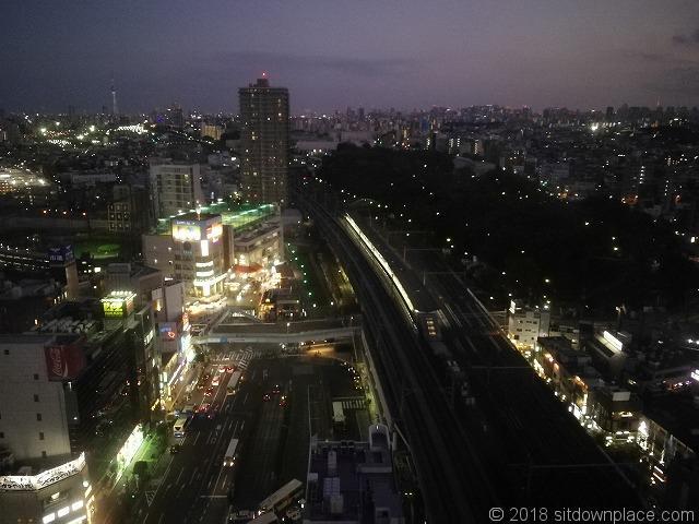 北とぴあ17F展望ロビー王子駅側の夜景