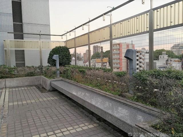 北とぴあ5Fのアストロプラザ展望庭園のベンチその1
