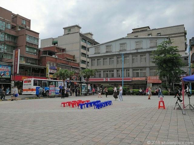 瑞芳駅(ルイファン)駅広場バスロータリー側