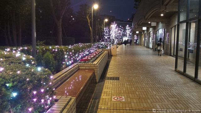飯田橋ラムラ2Fのベンチ