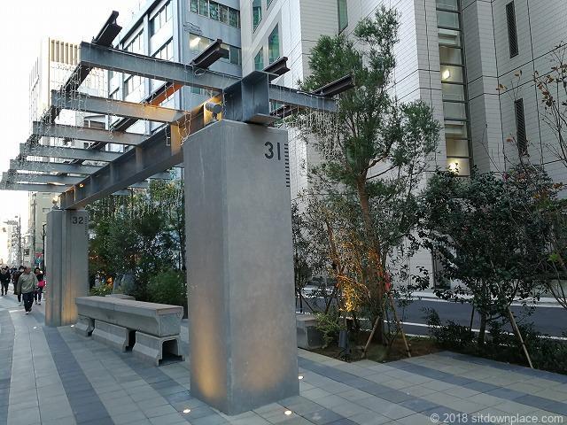 渋谷川沿いの整備された遊歩道