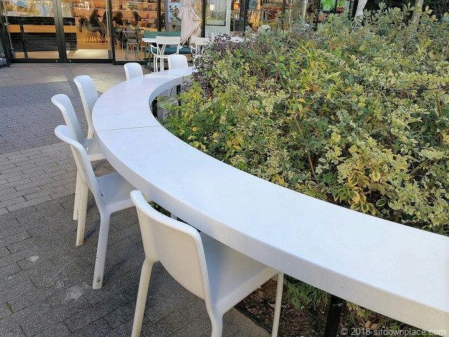渋谷キャストのカウンターテーブル