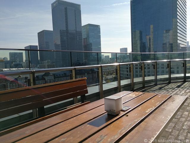 新丸ビル7Fの東京駅が見えるテーブル席