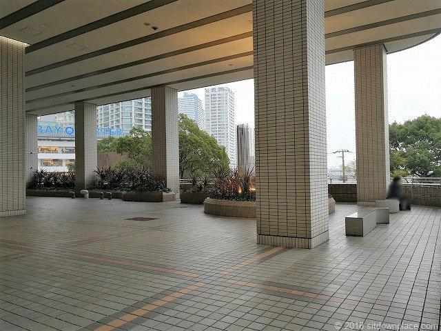そごう横浜風の広場周辺
