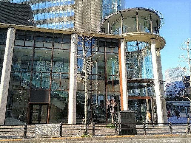 赤坂Bizタワーショッピングフロアの外観