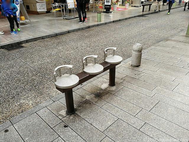 石川商店街アイキャナルストリートの休憩所