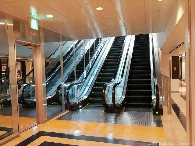 元町・中華街駅アメリカ山公園4Fのエスカレーター