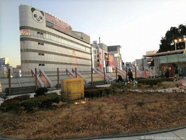 上野恩賜公園西郷隆盛の像付近の休憩所