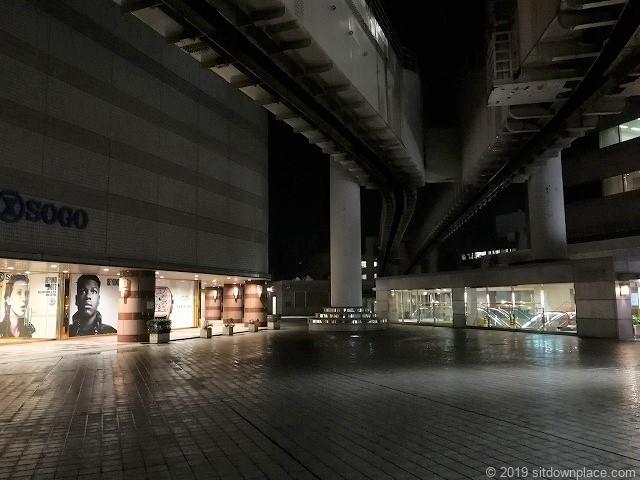 千葉駅センシティータワー4F屋外テラスの景観