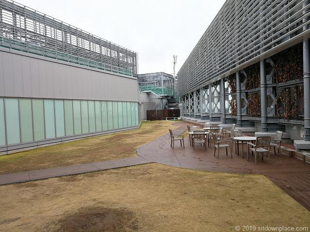 吉祥寺キラリナテラスの休憩所