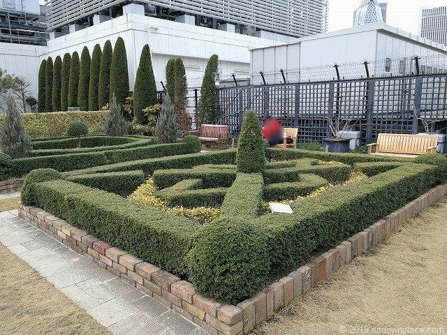 新宿マルイ本館Q-COURTの薔薇の園