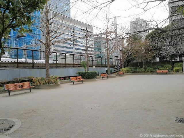 本芝公園のベンチ