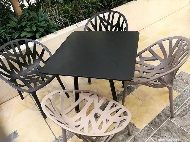 ムスブ田町1Fのテーブル