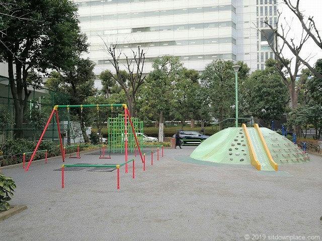 芝五丁目児童遊園の遊具