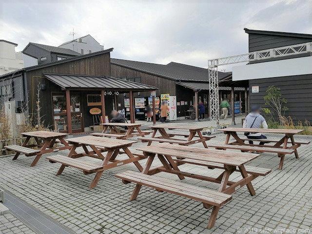 銚子セレクト市場のテーブル