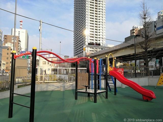 芝大門二丁目児童遊園の遊具