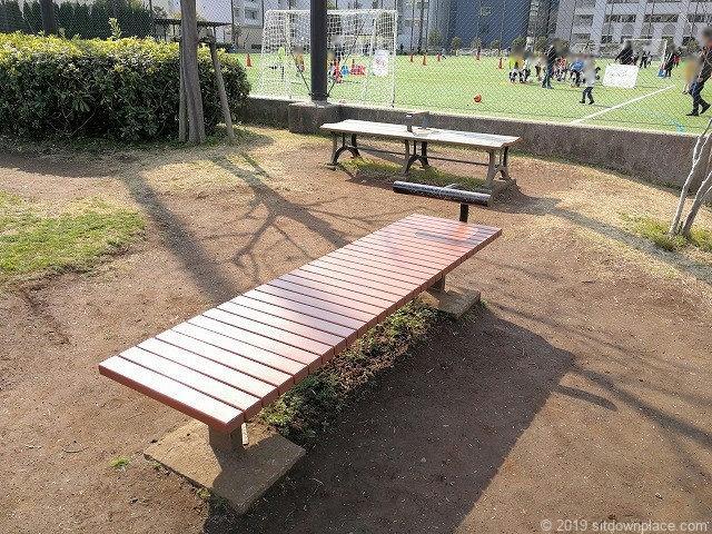 芝給水所公園の腹筋ベンチ