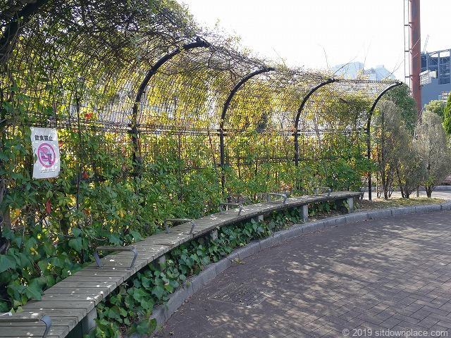 芝給水所公園のベンチ
