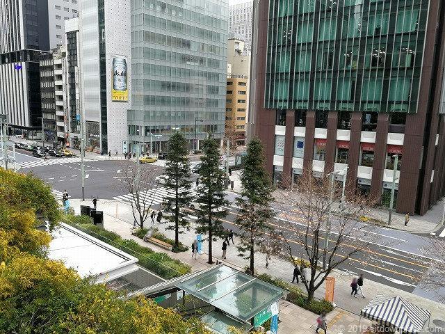 東京スクエアガーデン京橋の丘から中央通りの景観
