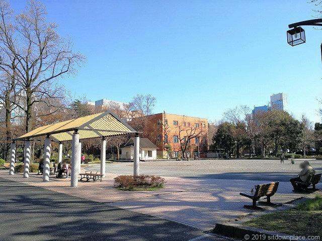 芝公園の多目的運動広場