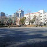 【御成門駅】芝公園 集会広場の休憩場所